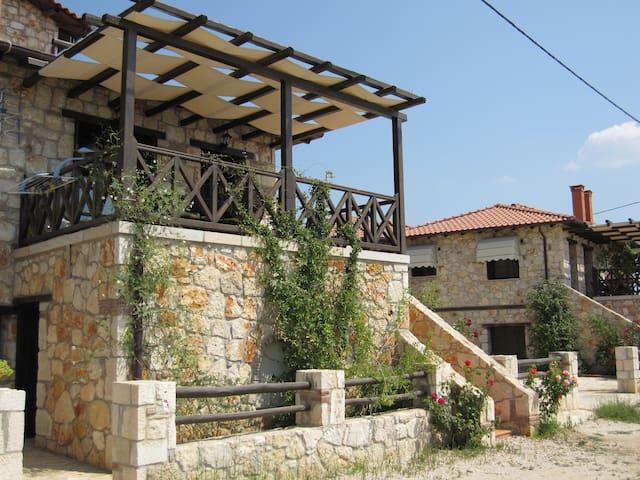 Πέτρινη κατοικία - Halkidiki - Huis