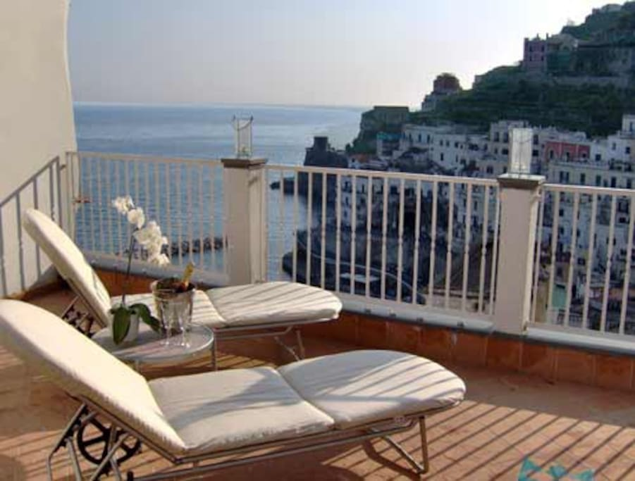 private terrace with access from the double room