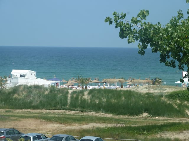 Sea view apartment, beachfront - Lozenets