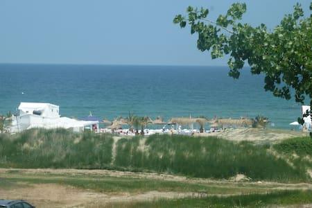 Sea view apartment, beachfront - Lozenets - Daire