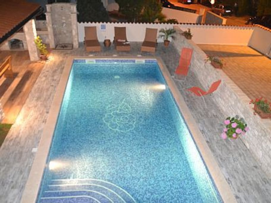 Private pool 30 m2