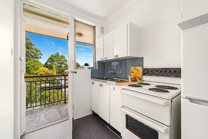 Bright studio in Leichhardt, Sydney's Little Italy - Leichhardt - Lejlighed