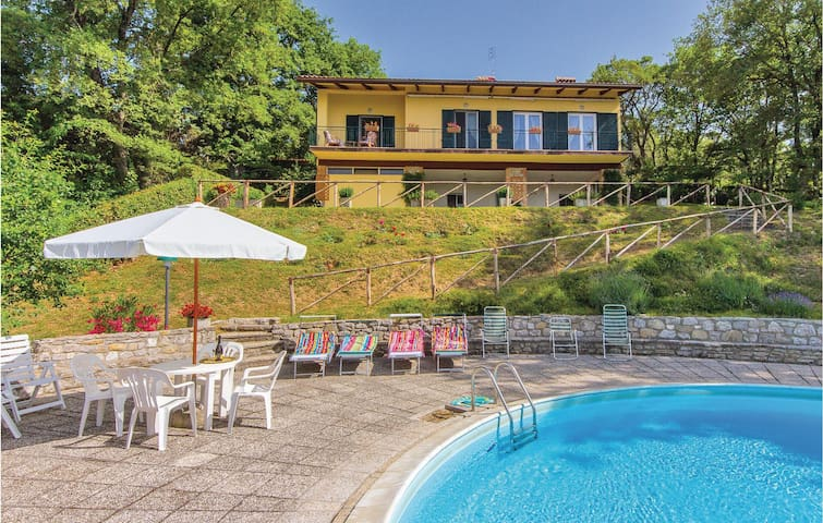 Holiday cottage with 4 bedrooms on 130 m² in Tuoro sul Trasimeno PG