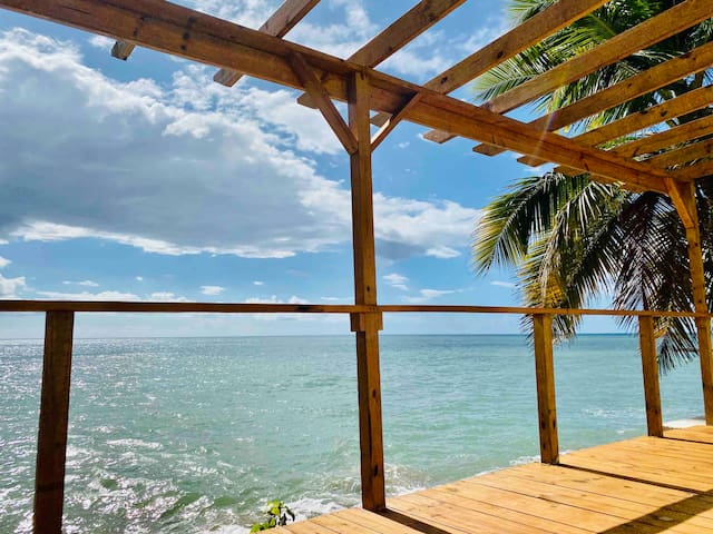 Ultra private, oceanfront beach house Rincon:)