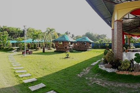 Room 5 (Casa Reyes Resort and Event's Place)