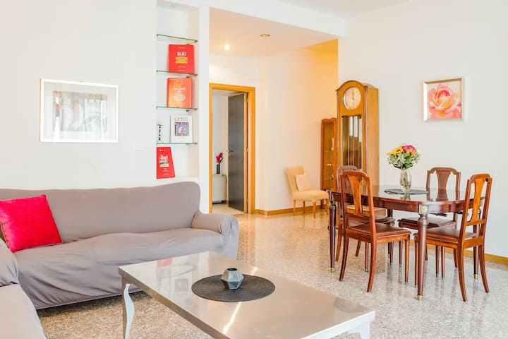 Apartment in the heart of Bari! x3!