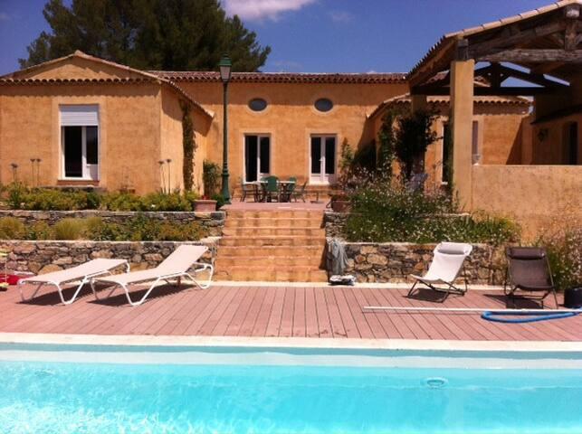 Le Monastère: Grande villa provençale avec piscine - Villecroze - Villa