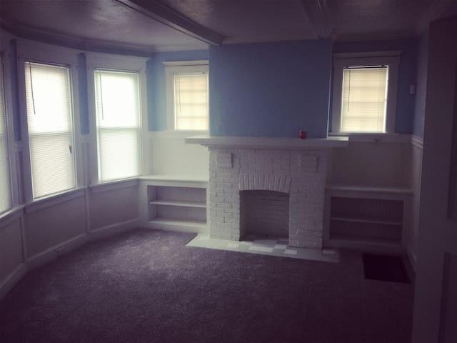 新房出租现有3个房间