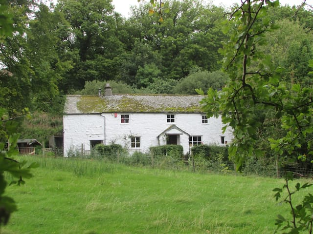 Cosy farmhouse in the Lake District - Cumbria - Aamiaismajoitus