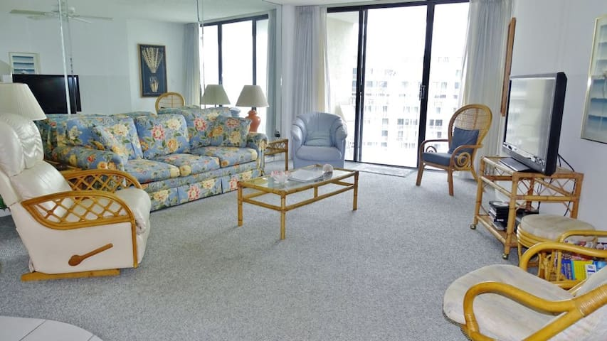 Sunny Beach views and Relaxing Sunsets Await from this lovely Condo