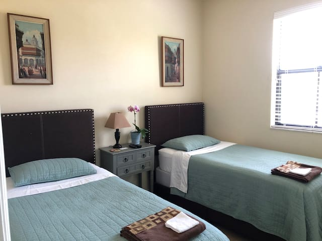 Everglades, Speedway, Keys-Twin Beds in Homestead