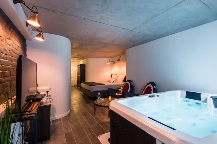 Suite avec Spa Jacuzzi privatif 2