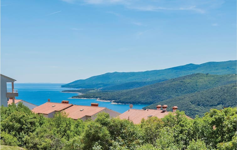 Holiday apartment with 2 bedrooms on 48m² in Rabac