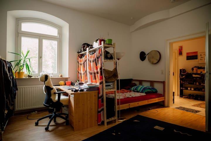 Kreatives kuhles Atelier/Zimmer in der Altstadt