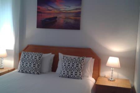 Room I Queen