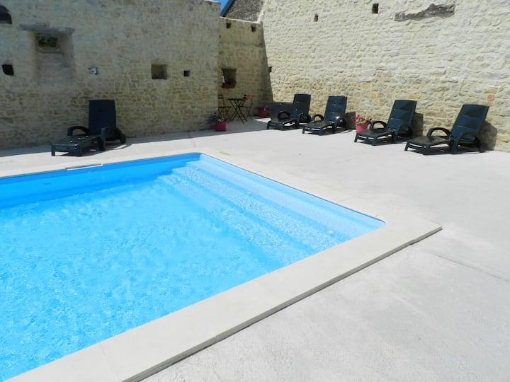 "Gîte ""Le Pommier"" avec piscine"