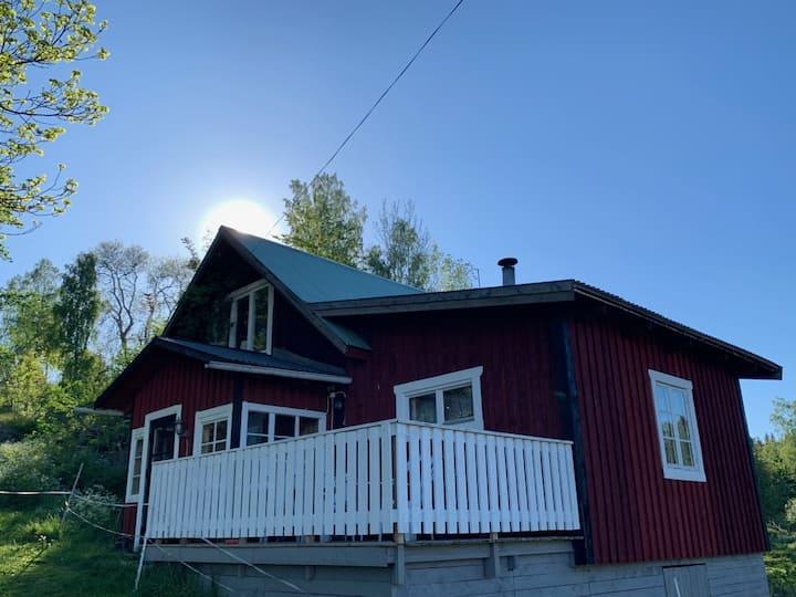 Boende i genuin, lantlig miljö 15 km från Vimmerby
