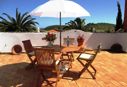 Holiday home with large southfacing terrace&garden - Vila do Bispo - 公寓
