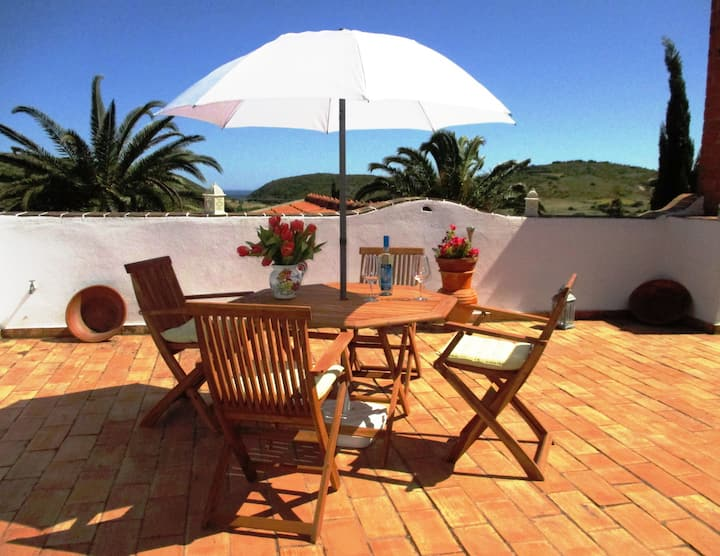 Holiday home with large southfacing terrace&garden