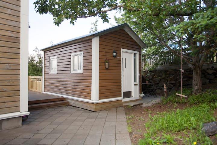 THE TINY HOUSE - WITH VIEW - Hafnarfjordur