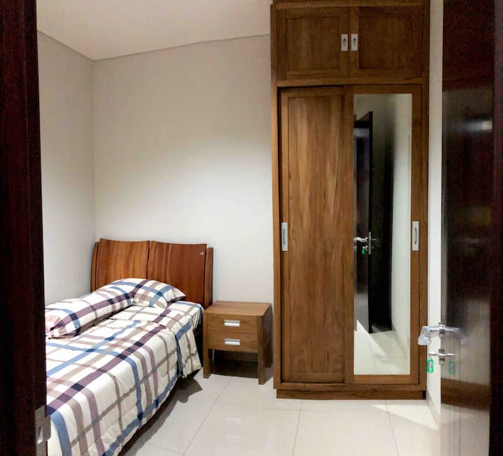 A4One (Regentown B5 No.  5) House For Rent
