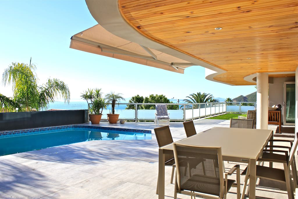 Patio, Pool and Ocean Dining.