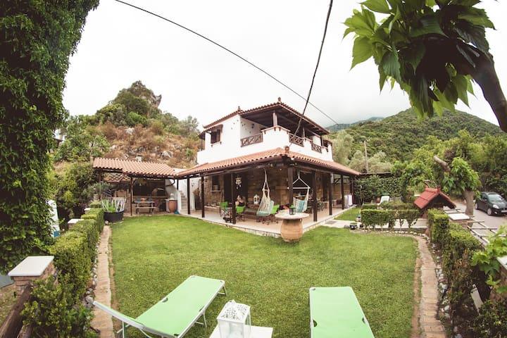 Kalogirou Stone House .ΛΙΜNΙΩΝΑΣ ΕΥΒΟΙΑΣ