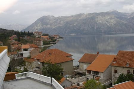 Stunning sea view-lovely apartment - Prčanj - Appartement