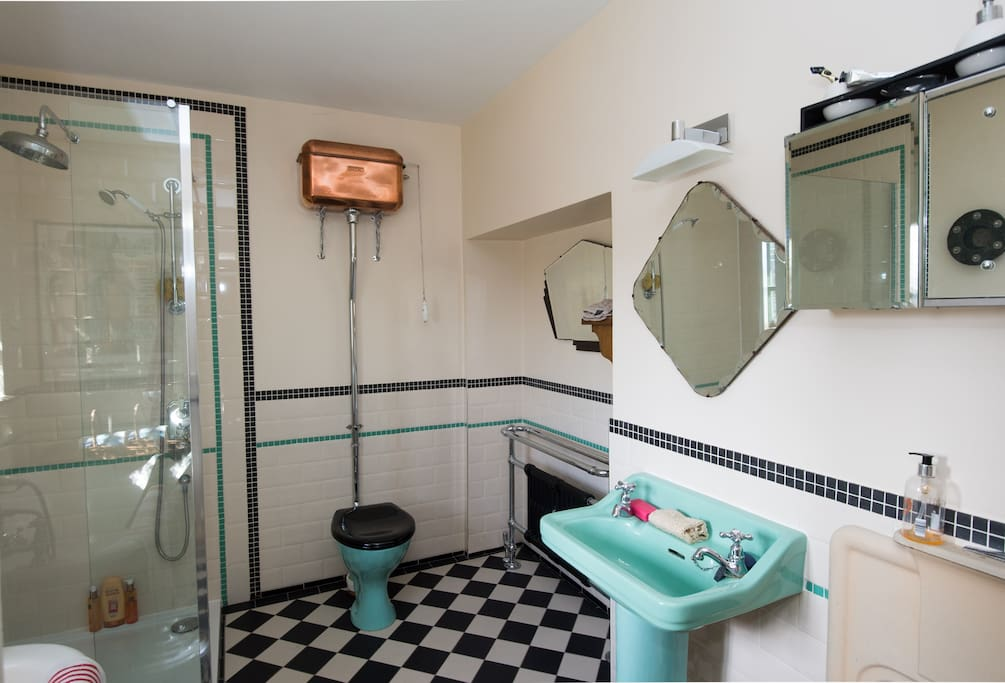 my Art Deco inspired bathroom features lots of vintage items.