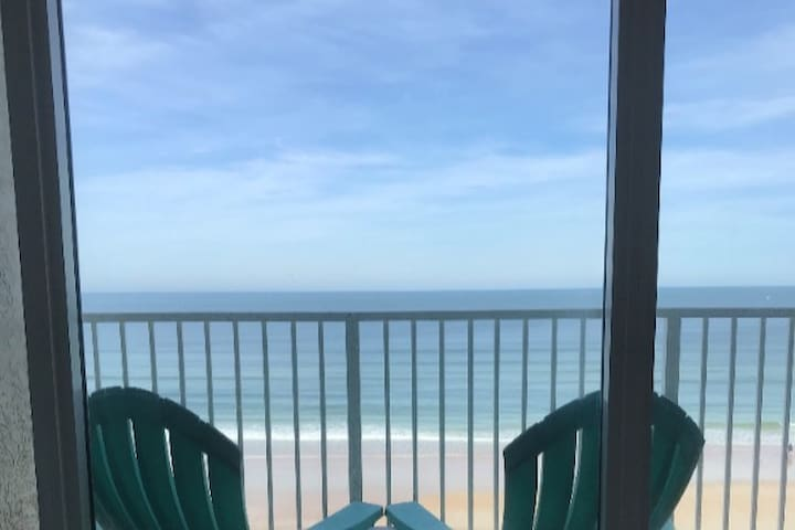 R & R Beachfront Getaway