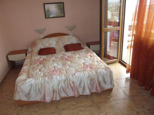 Cozy and comfortable Apartments - Kranevo - Apartamento