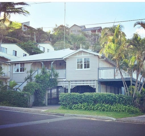 50m to Sand Family Beach House- PRICE REDUCED - Tugun - Dom
