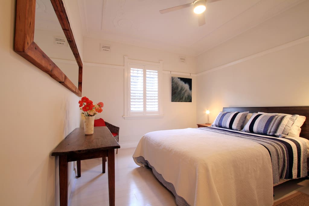 Bondi beach break 2 bedroom apt apartments for rent in for 2 master bedroom apartments