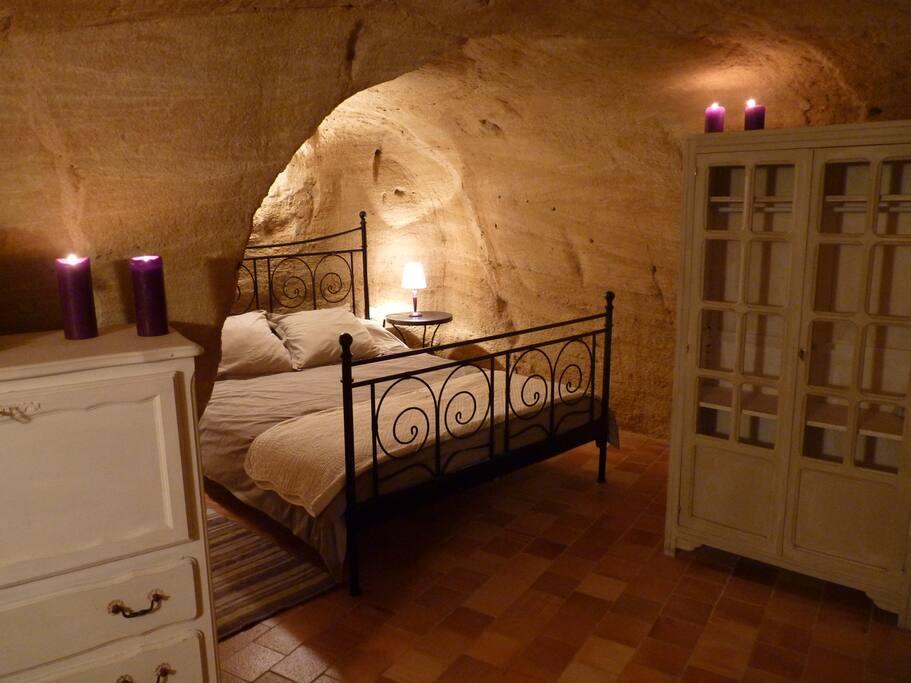 Chambre N°1 (1 lit double + 1 lit simple)