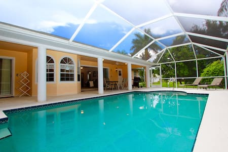 Private Pool Home - Water View- Close to Beaches - Fort Myers - Ev