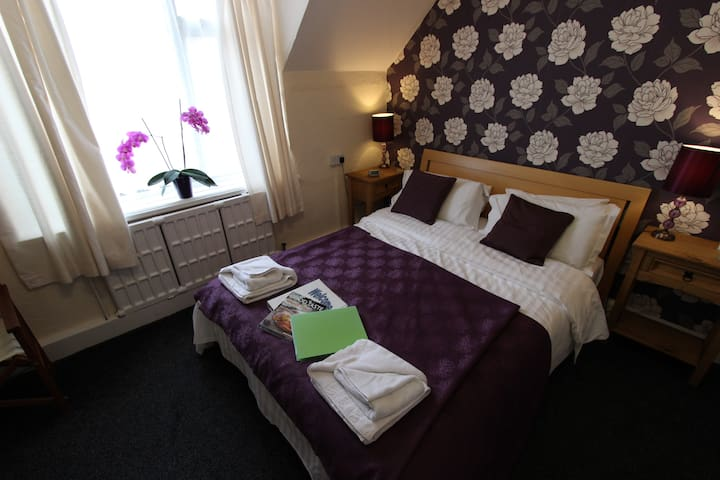 Award Winning Guest House - Seacroft, Skegness - Aamiaismajoitus