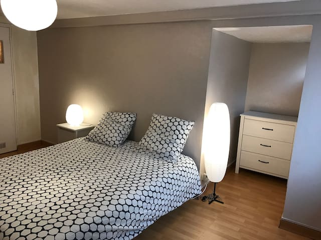 F1 + place de parking en centre ville - Rouen - Appartement