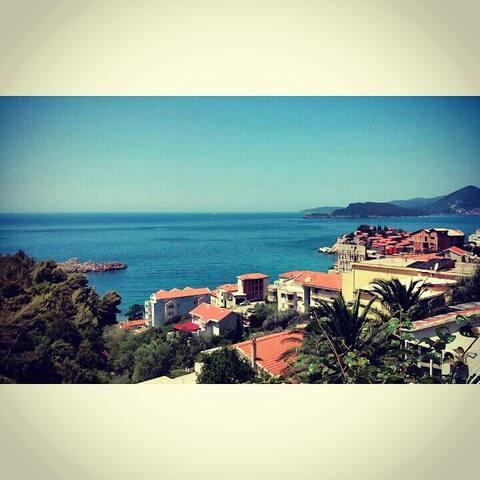 Apartment Romantic with sea view. - Sveti Stefan - Hus