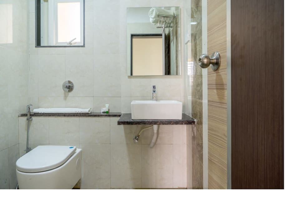 Common washroom for two rooms