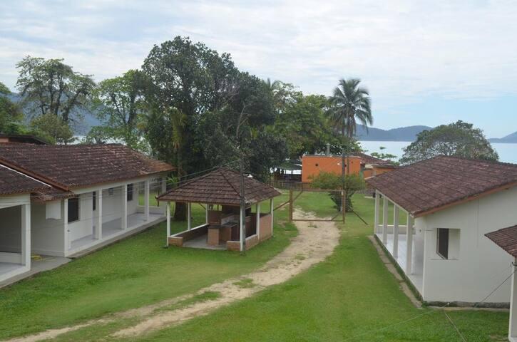 Desfrute do Paraíso na Praia da Fortaleza.(1 e 5).