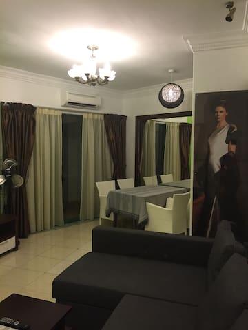 800 sqft Suite. Lanai Gurney Corp Suites. Ampang. - Kuala Lumpur - Pis