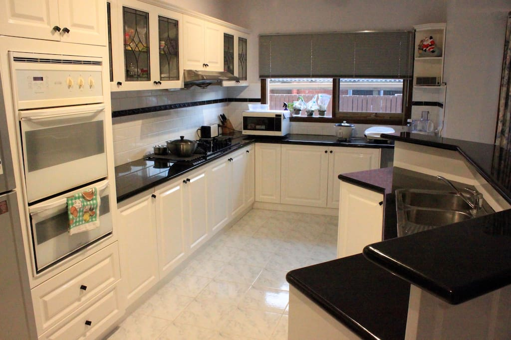 Fully functional shared kitchen