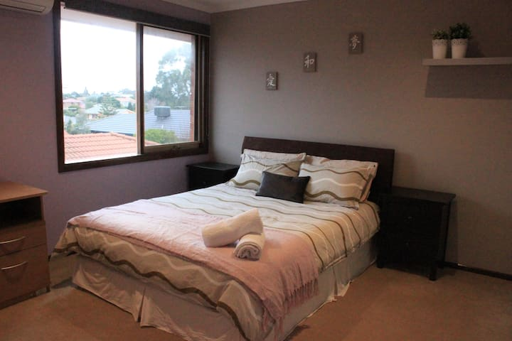 Charming bedroom for 2 - Endeavour Hills - Casa