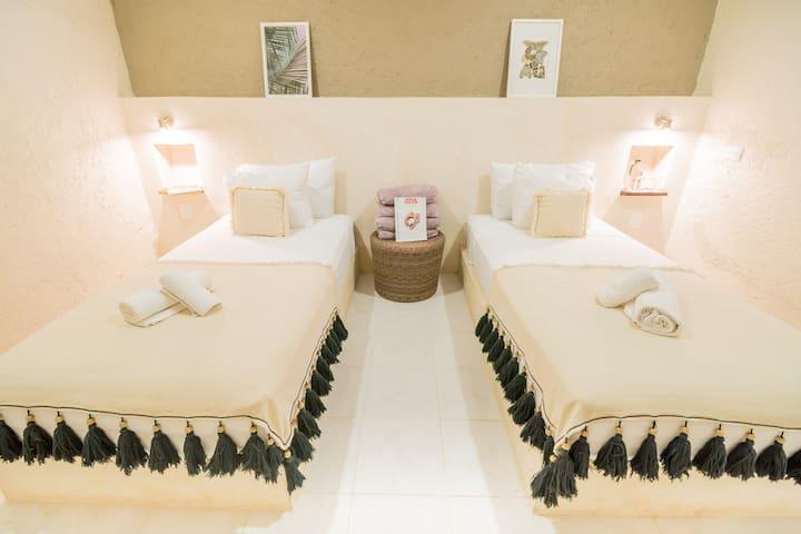 15% OFF - OCT/NOV Clean twin room - w/breakfast