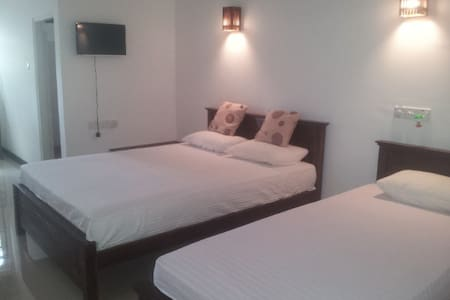 Deluxe triple room - Hambantota - Bed & Breakfast