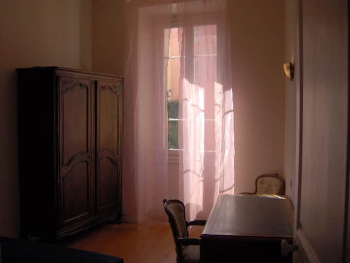 Ajaccio downtown, ferry port, two sleeping rooms