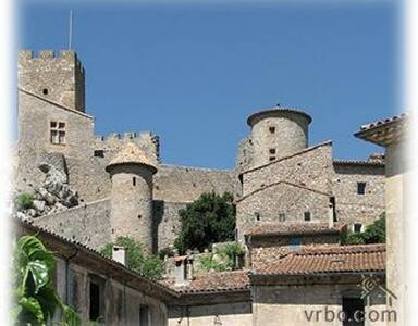 Nice Duplex in Medieval Village - Saint Jean de Bueges - บ้าน