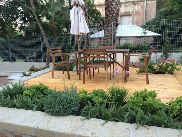 Cozy modern apt. with stunning garden - Anzio - Loft