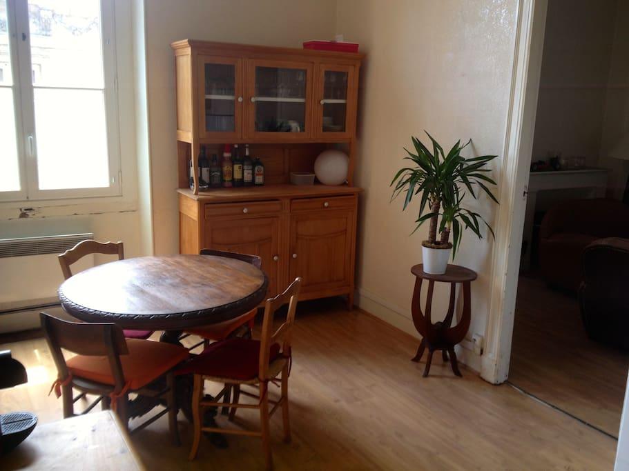 t3 centre historique de bordeaux appartements louer bordeaux aquitaine france. Black Bedroom Furniture Sets. Home Design Ideas