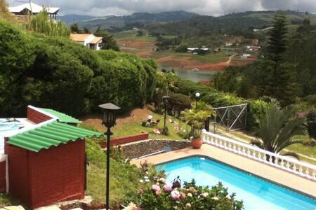 Casa Campestre  Espectacular Vista Lago Calima - Darién